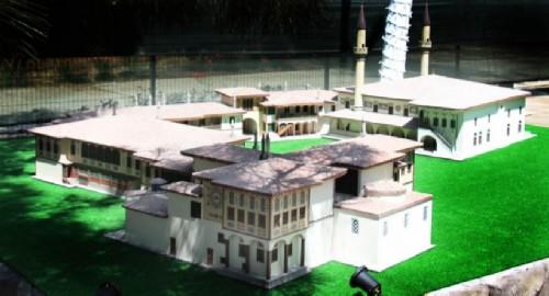 Crimea in miniature, Khan's palace in Bakhchisarai