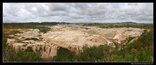 Quarry in the village of Yantarny.