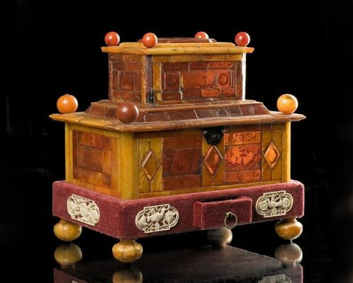 Amber Museum. The box is two-tier. 17th century Germany.