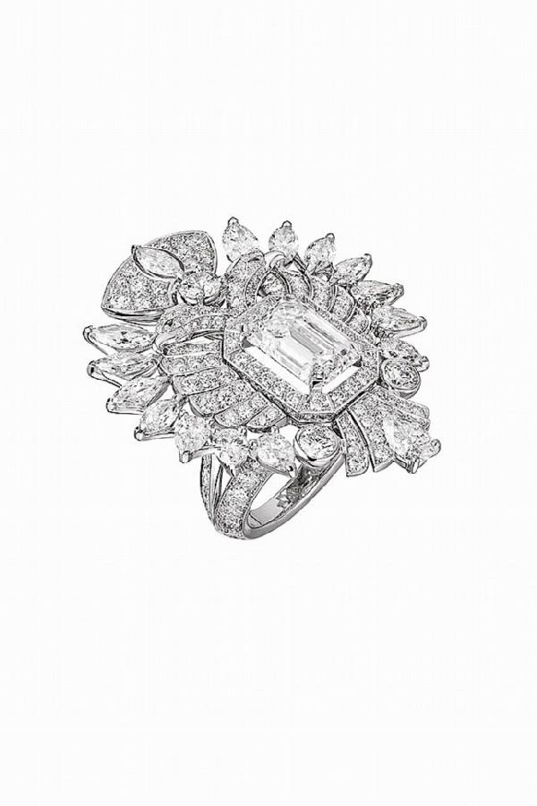 Chanel Russian collection. Aigle Cambon ring, white gold, diamonds