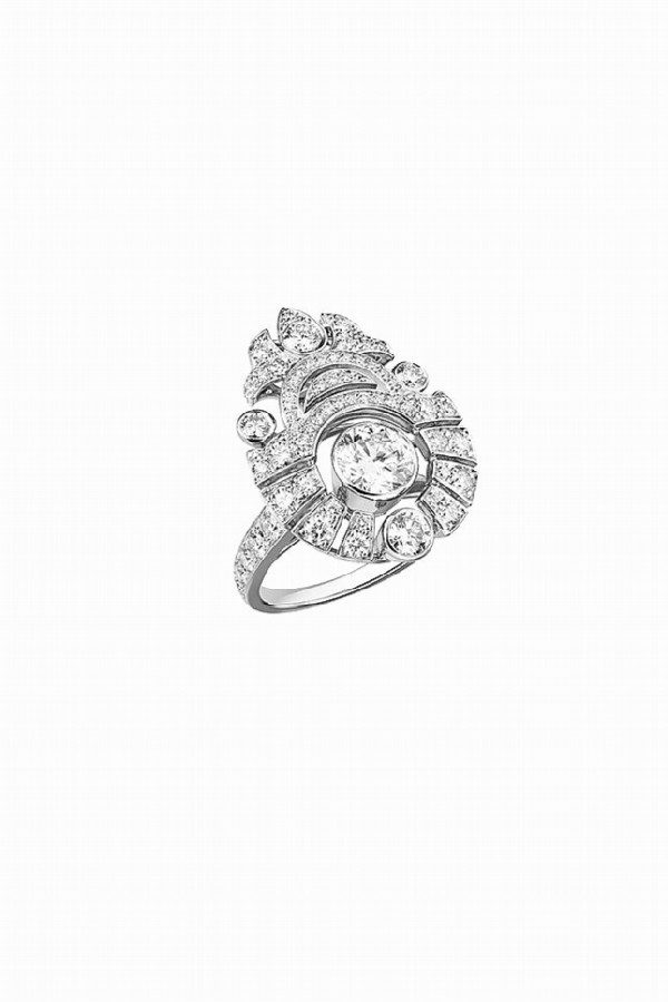 Ring from the Motif Russe set