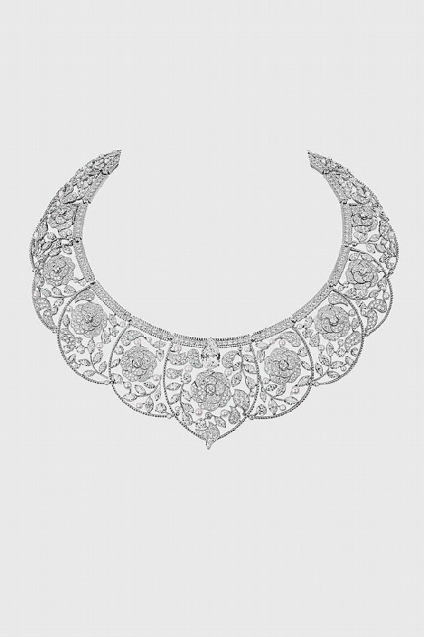 Sarafane transformable jewelry can be worn as a tiara and as a necklace